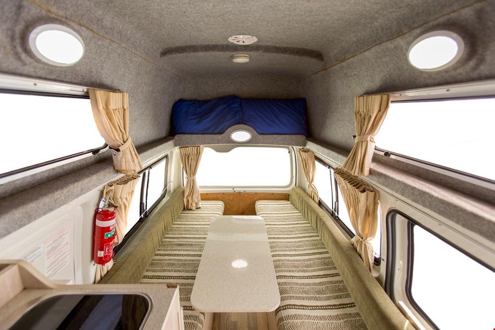 Cheapa Hi Top Interior - Camper Rental Byron-Bay - Campervan Rental Shop
